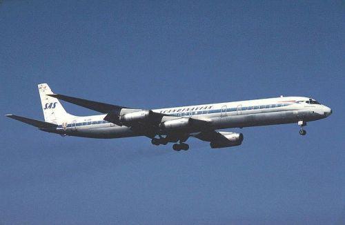 800px-SAS_DC-8-63_SE-DBK_in_Stockholm