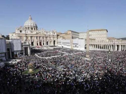 pope-benedict-xvi-celebrates-a-canonization-ceremony